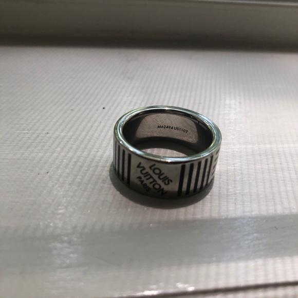 8966d74e Men Louis Vuitton Ring ~ almost brand new
